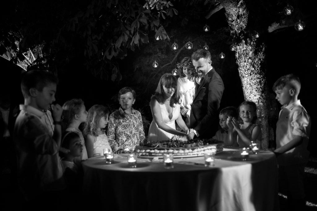 Cutting of the cake - Wedding at Castello di Castagneto - Italian Wedding Designer