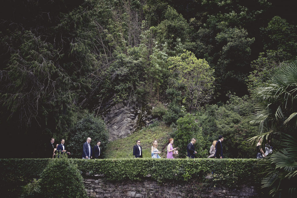 Guests walking to the terrace - A Persian Wedding in Italy - Italian Wedding Designer
