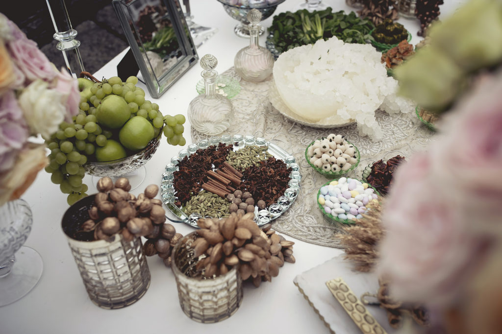Details of sofreh aghd A Persian Wedding in Italy - Italian Wedding Designer