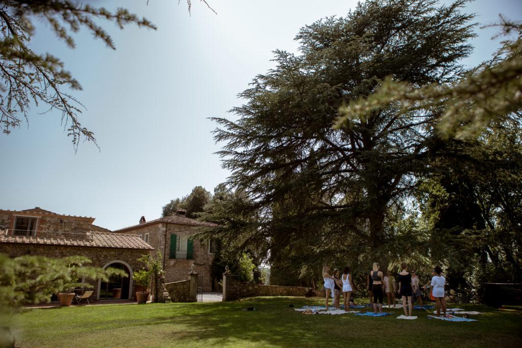 Yoga for a sustainable wedding in Italy - Italian Wedding Designer